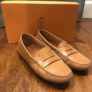 Tod's Gommini Leather Drivers Loafer, 6.5